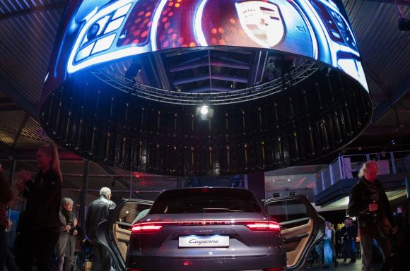 Circular LED Screen PORSCHE